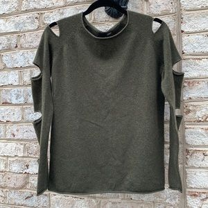Aqua Cashmere Green Long Sleeve Cut Out Sweater M